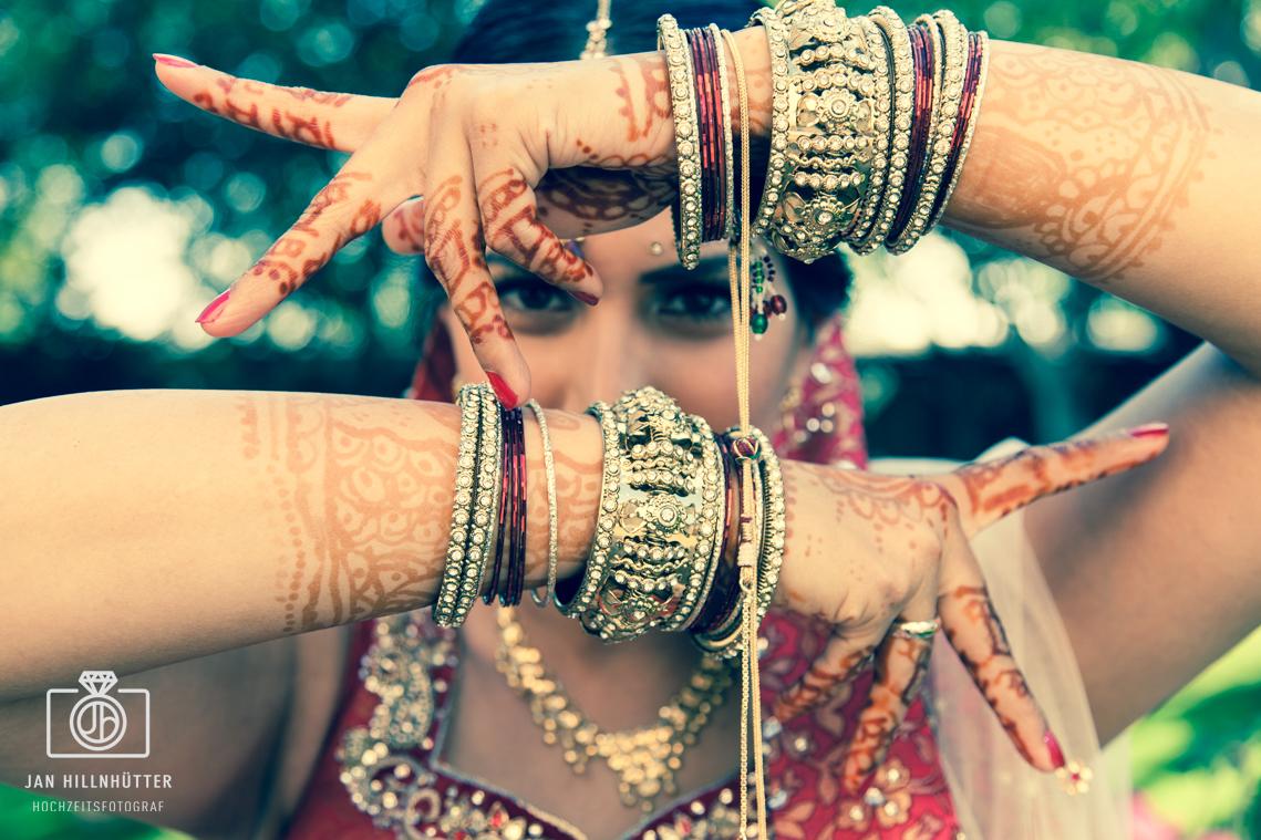 Bollywood-Braut-Henna-Tattoos-Schmuck-indisch