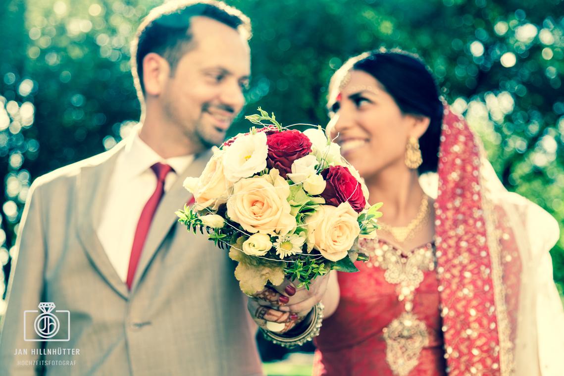 Bollywood-Hochzeit-Brautstrauss-deutsch-indisch-Jordans-Untermuehle-Koengernheim
