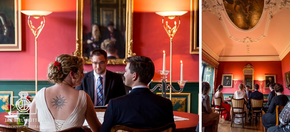 Trauzimmer-Trauung-Trauzeremonie-Hochzeit-Schlosshotel-Weilburg-Brautpaar