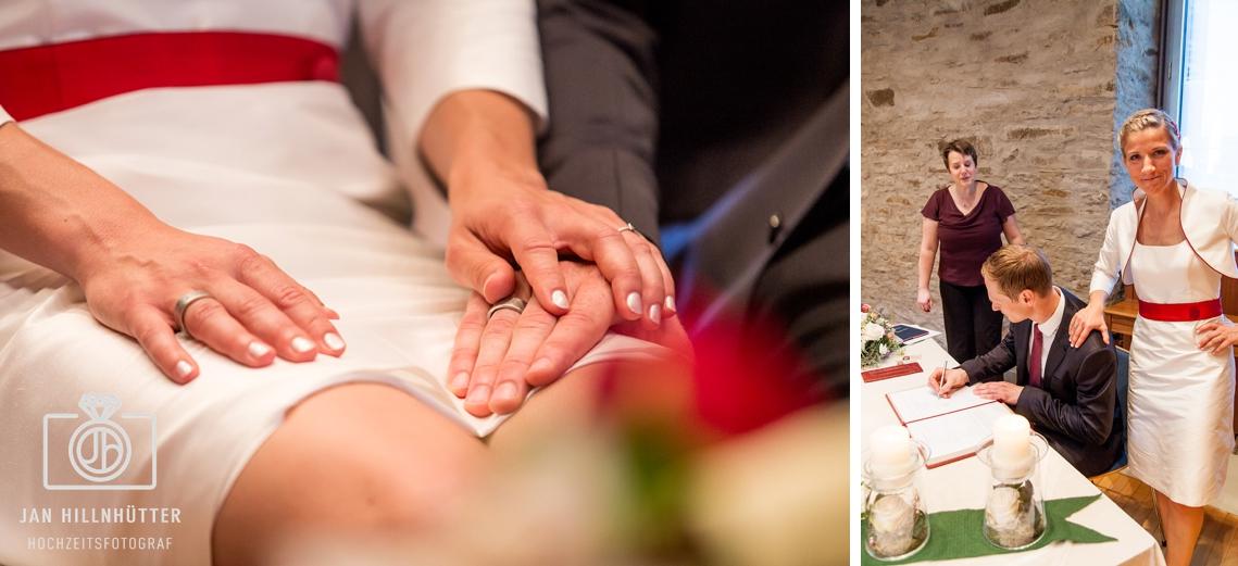 Lustiges-Brautpaar-Standesamt-Witten-Unterschrift-Braeutigam
