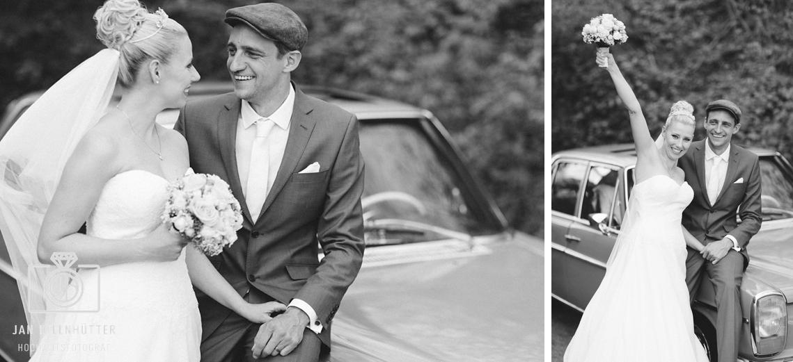 SW-Vintage-Hochzeit-Brautpaar-Mercedes-Brautstrauss-Jubel