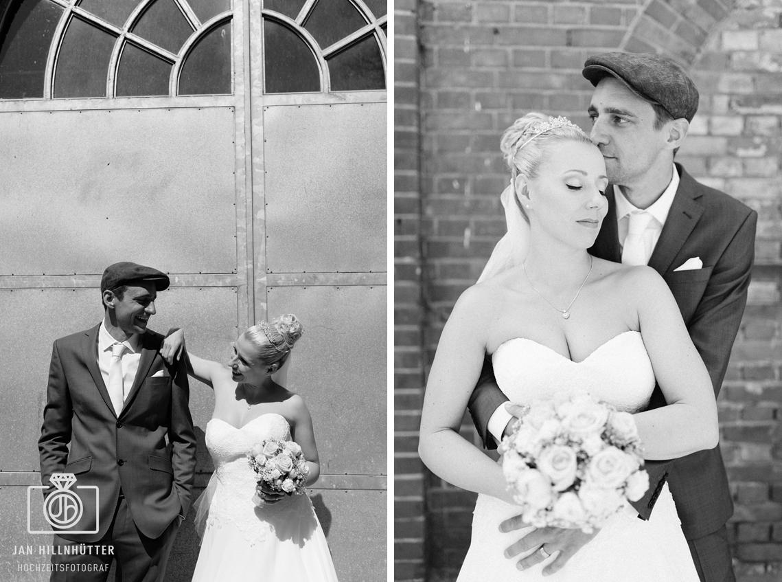 Vintage-Hochzeit-SW-Brautpaar-Kuss-romantisch-laessig