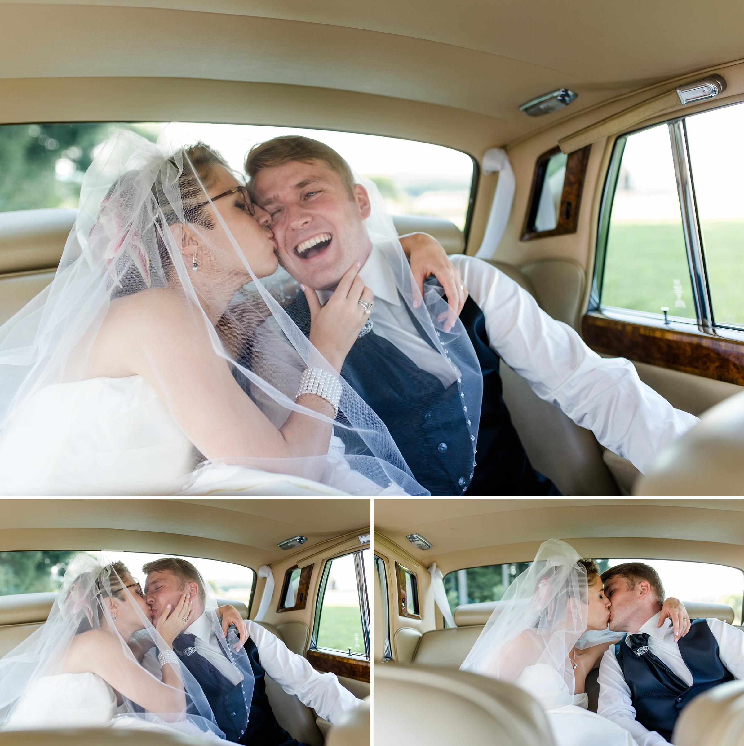 Hochzeitsfotograf-Zuerich-lustiges-Brautpaar-Rolls-Royce-Kuss