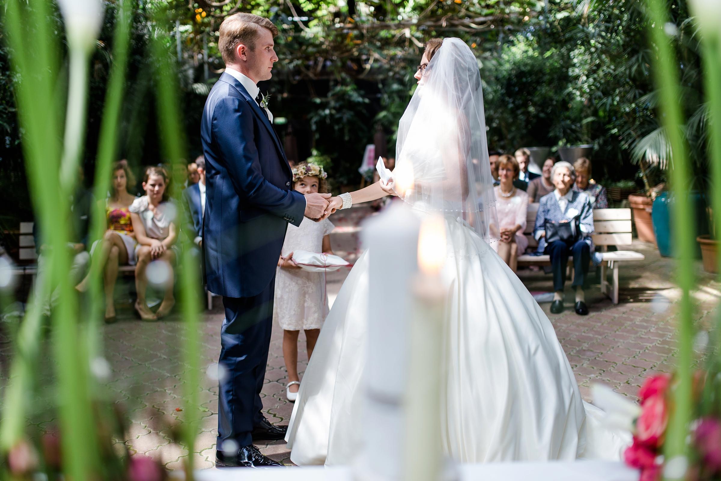 Hochzeitsreportage-Zuerich-Eheversprechen-Hochzeit-im-Gruenen-Giardino-Verde-Uitikon