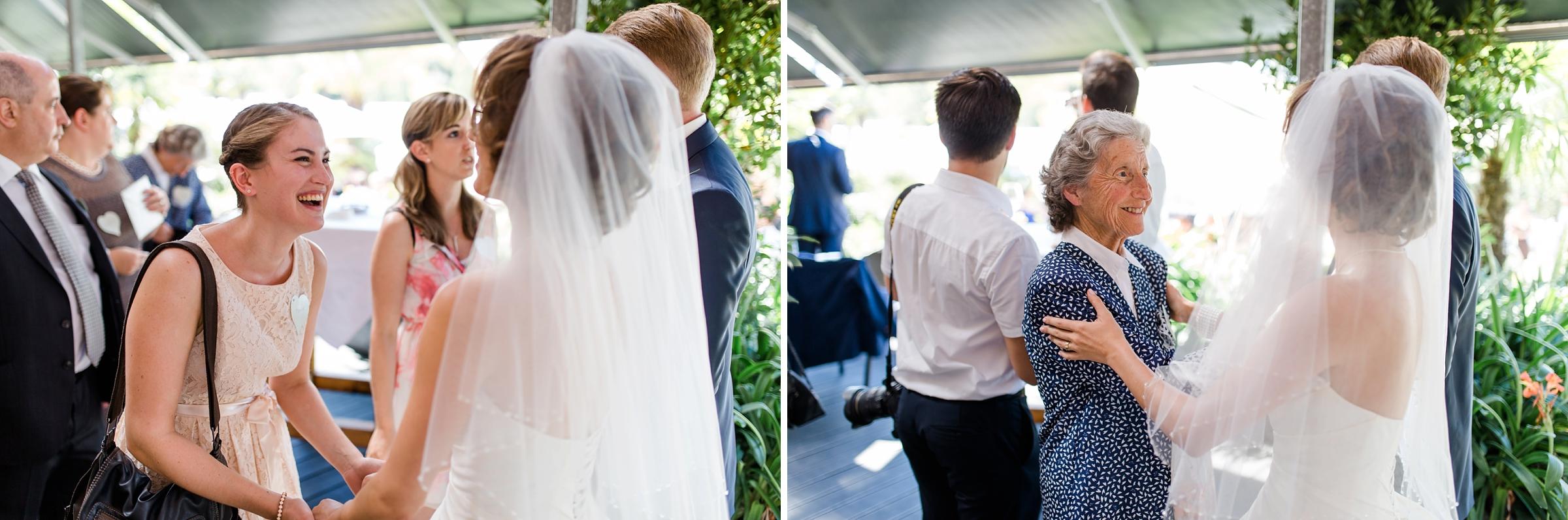 Hochzeitsreportage-Zuerich-Oma-Gaeste-freuen-sich-mit-Brautpaar-Giardino-Verde-Uitikon