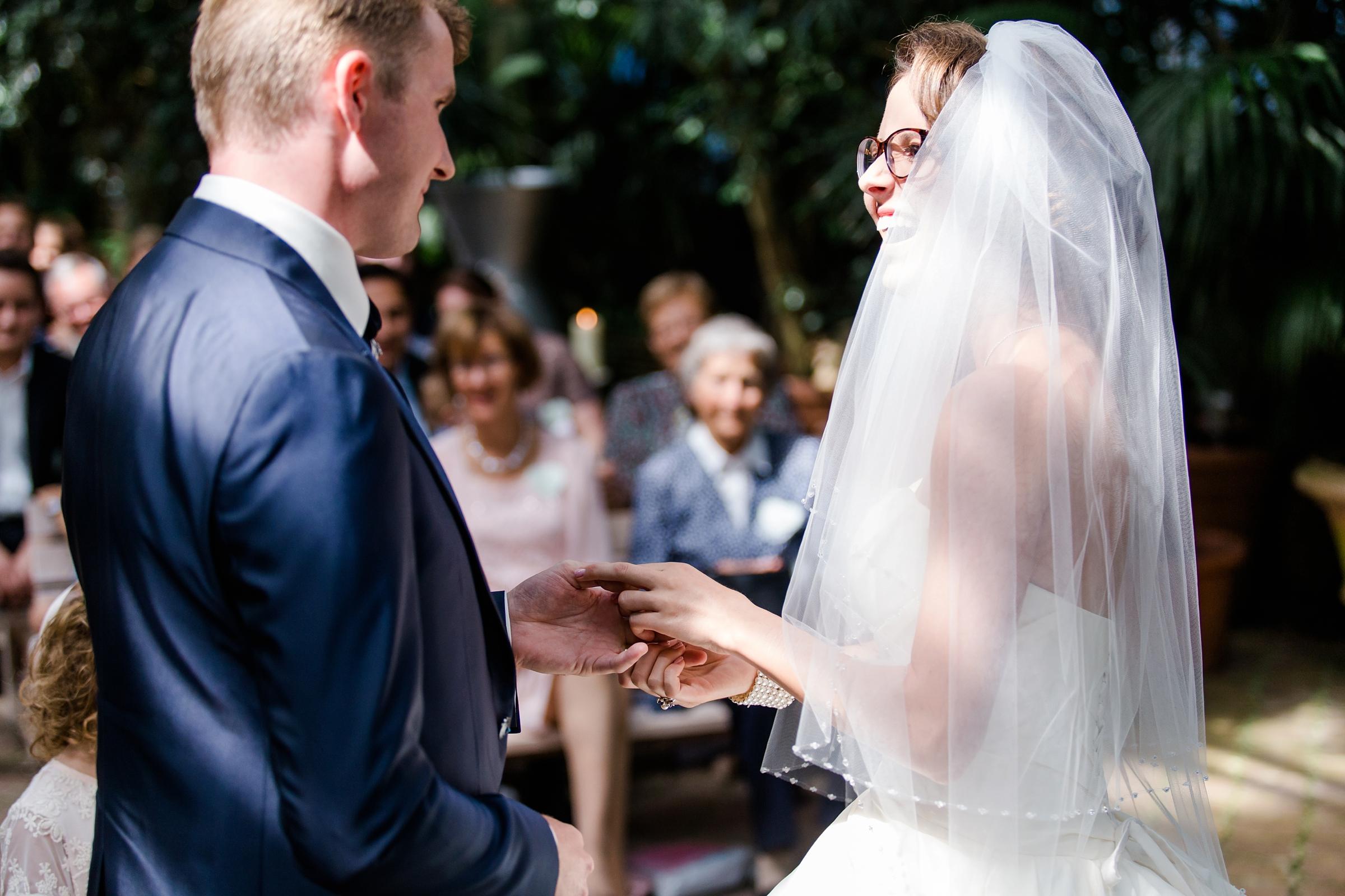 Hochzeitsreportage-Zuerich-Ringetausch-Giardino-Verde-Uitikon