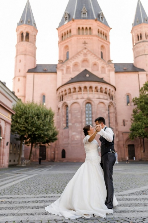 Hochzeitspaar-Mainzer-Dom