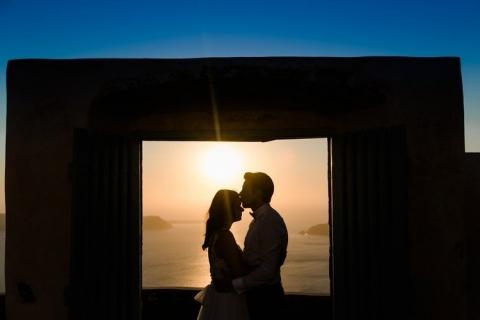 Silhouette Brautpaar im Sonnenuntergang