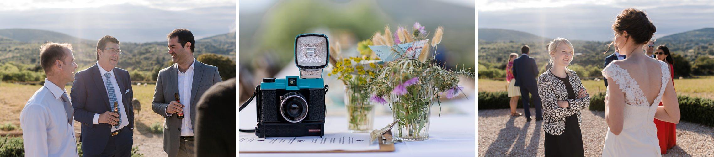 Gutgelaunte Gäste auf der Finca-Hochzeit auf Mallorca