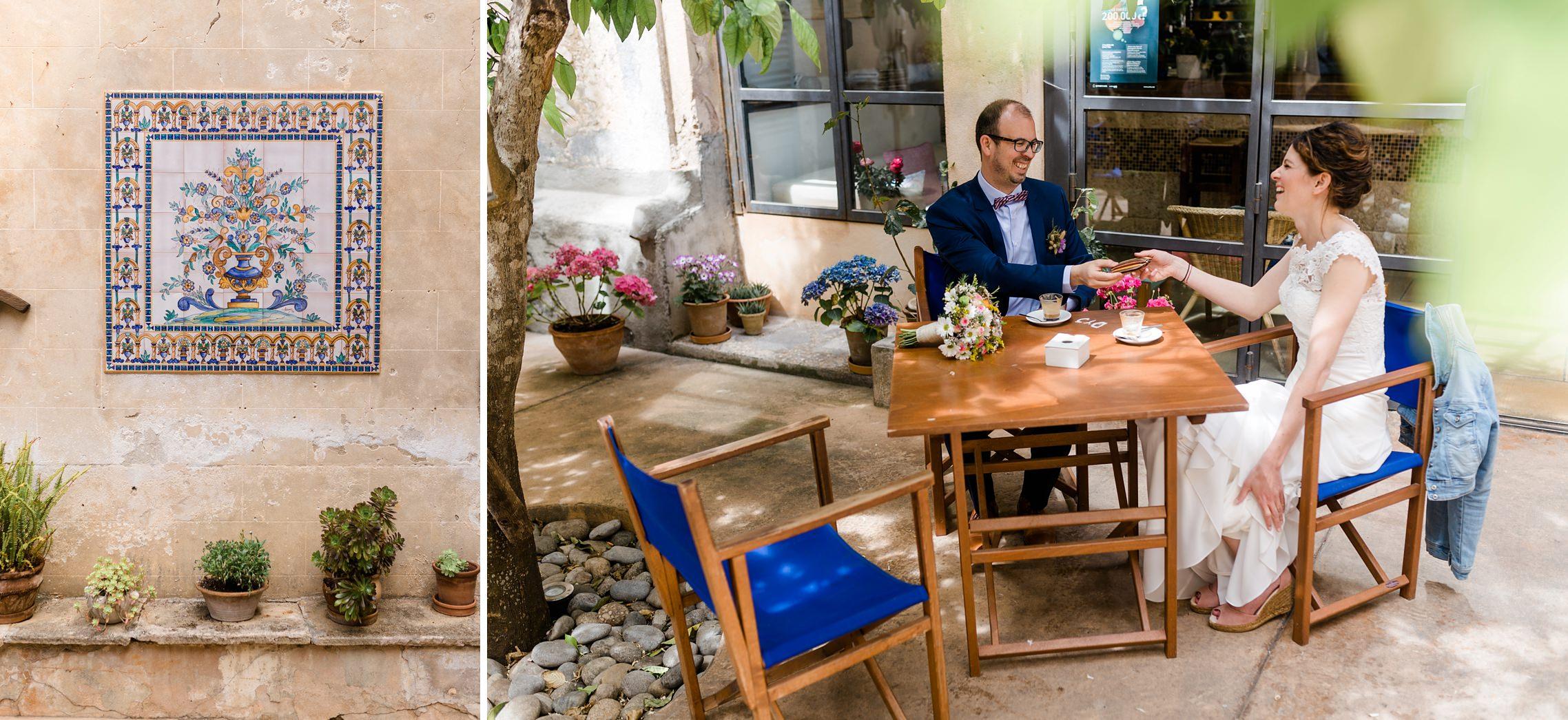 Brautpaar in einem süßen Cafe in Artá auf Mallorca