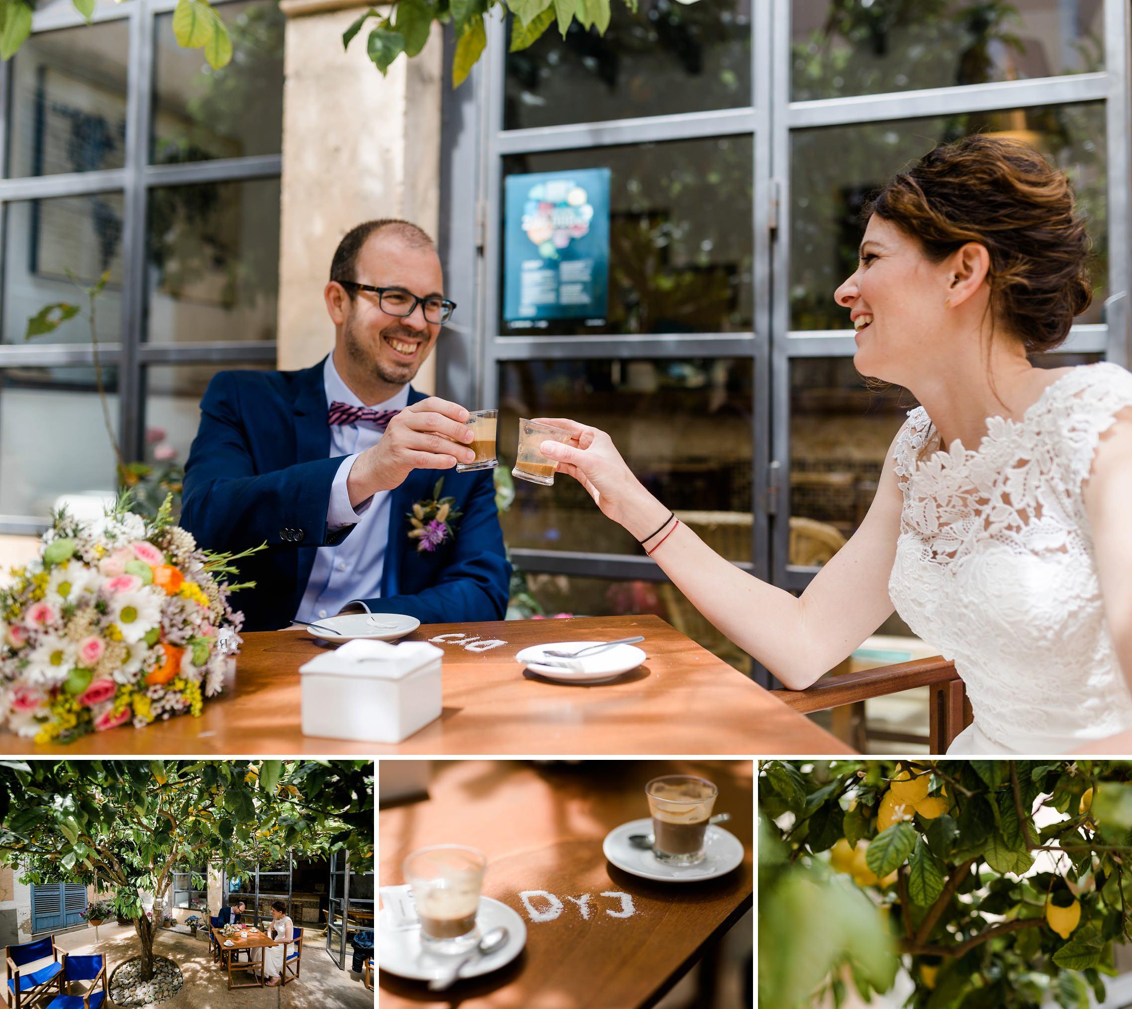 Hochzeitspaar trinkt einen Kaffee in einem sehr schönen Cafe in Artá auf Mallorca