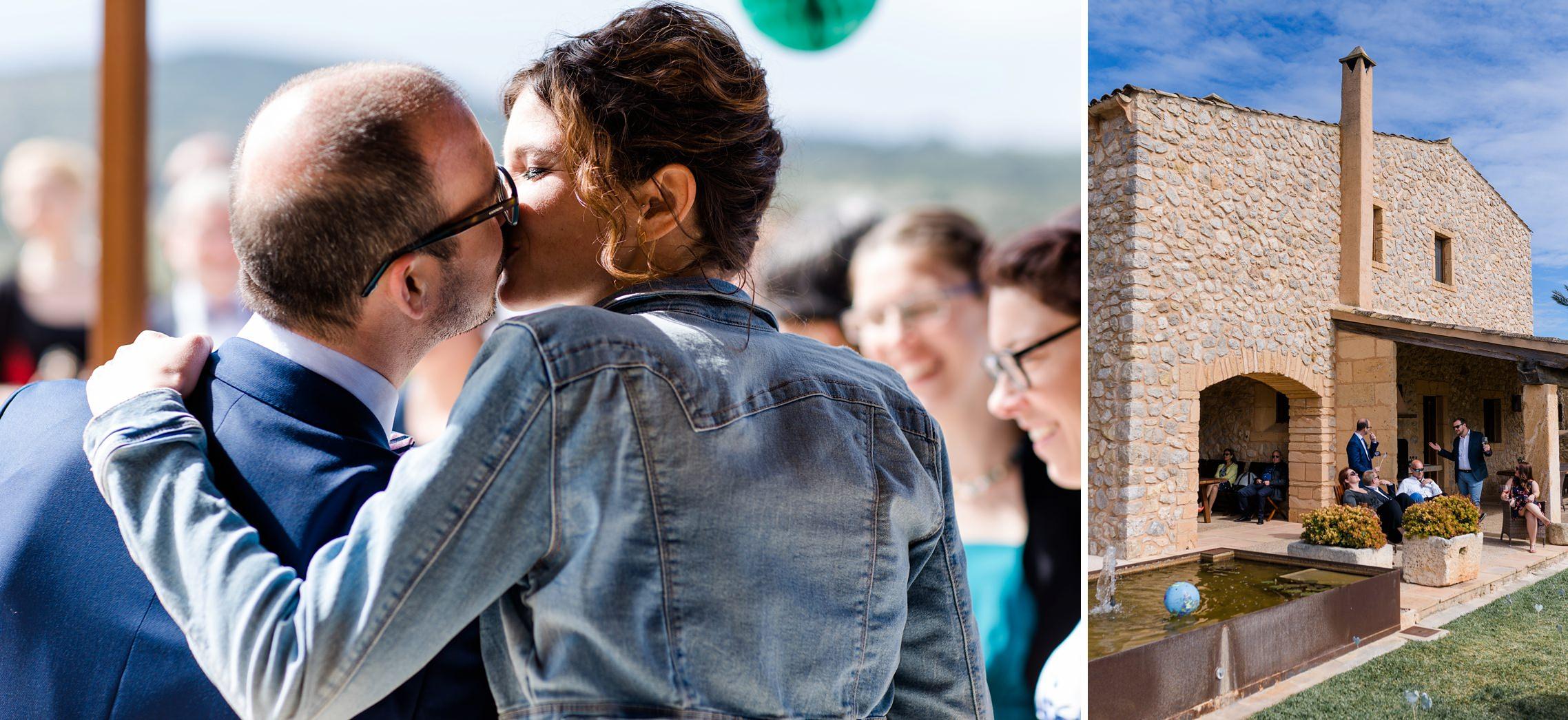 Spontaner Kuss des Hochzeitspaares auf der Finca-Hochzeit auf Mallorca