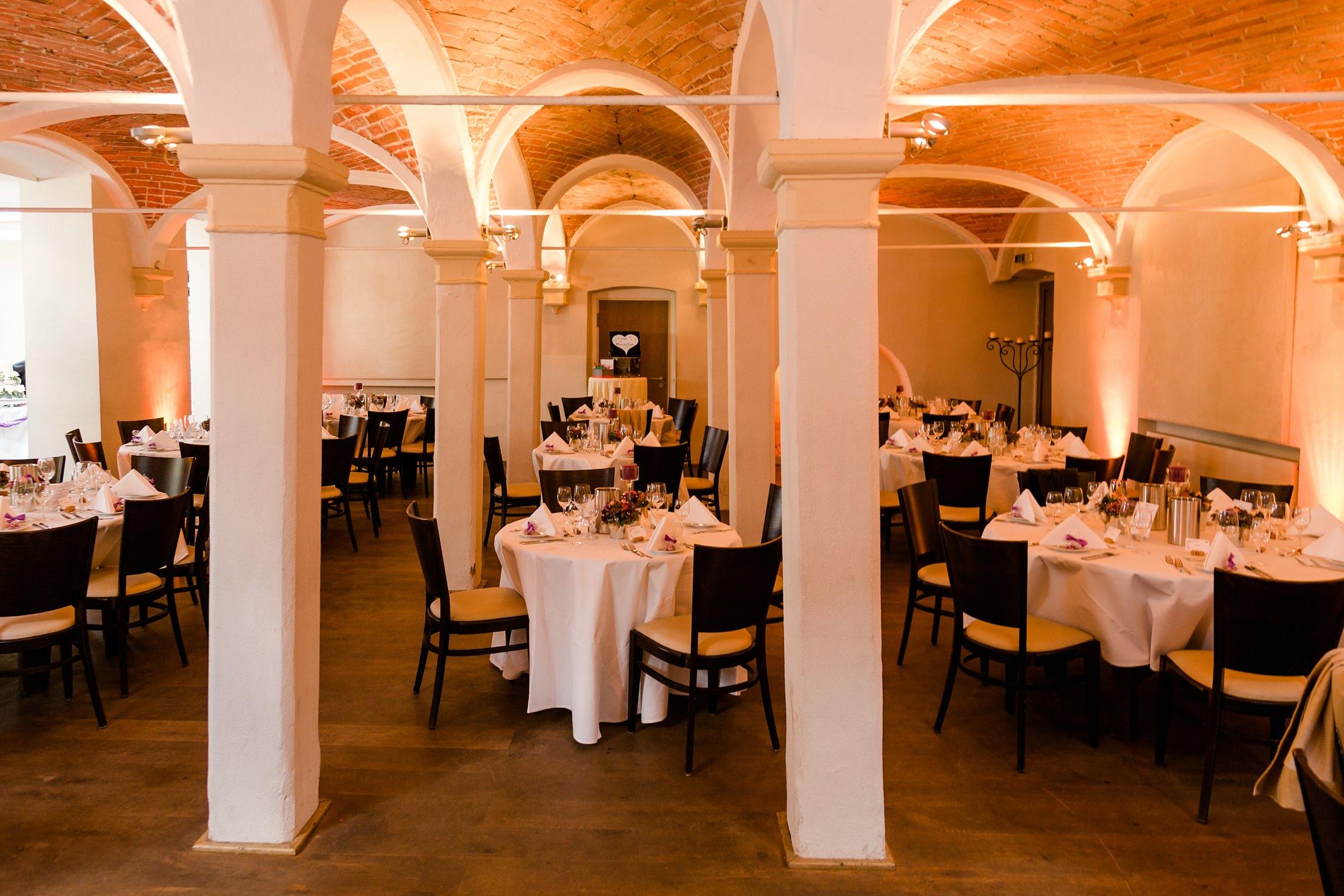 Der Gewölbesaal im Fitz-Ritter ist für das Abendessen gedeckt.