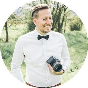 Foto von Hochzeitsfotograf Jan Hillnhütter mit Kamera